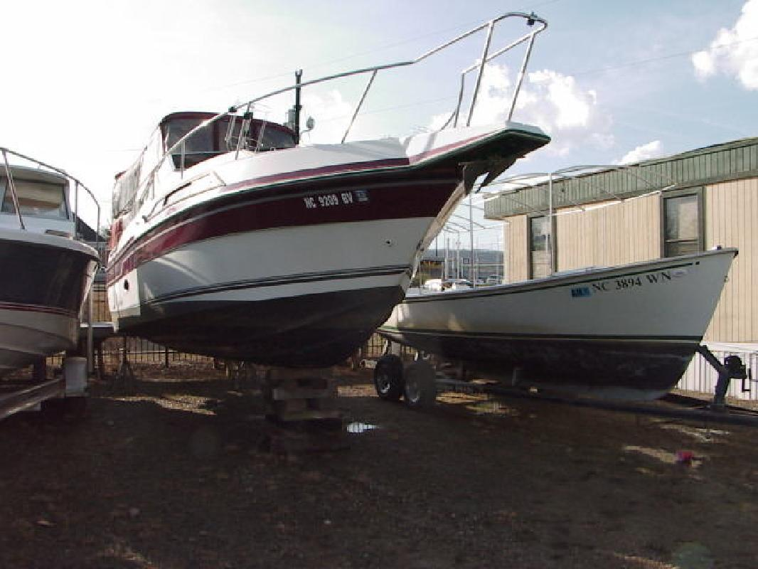 1990 Regal Boats Cabin Cruiser Ambassador 265 Denver NC