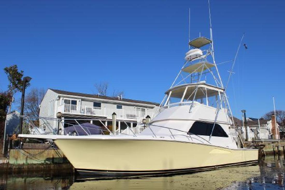 2001 Viking 43 Convertible Amity Harbor NY
