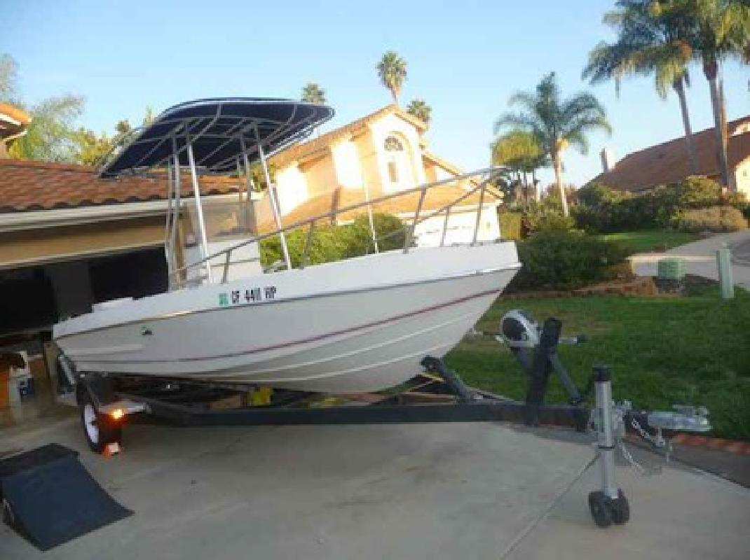 4 500 19 foot center console fishing boat clean and for Fishing boats for sale san diego