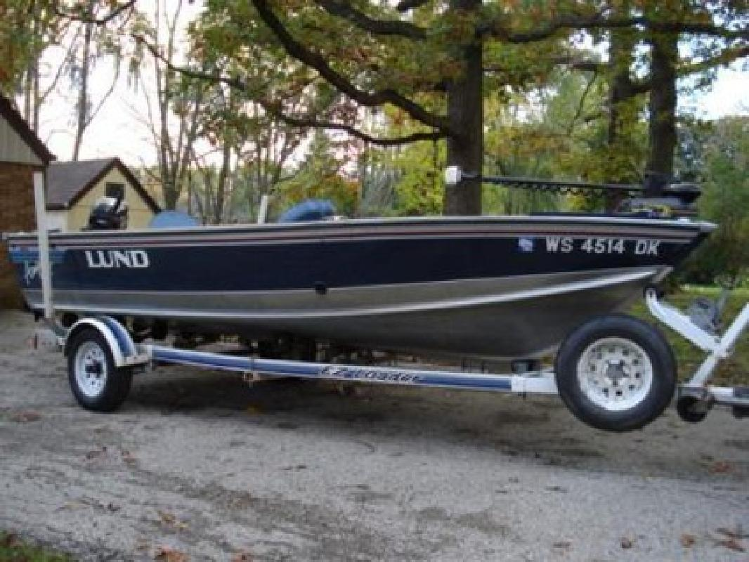 $4,200 1993 16ft  Lund Angler 2 for sale in Milwaukee