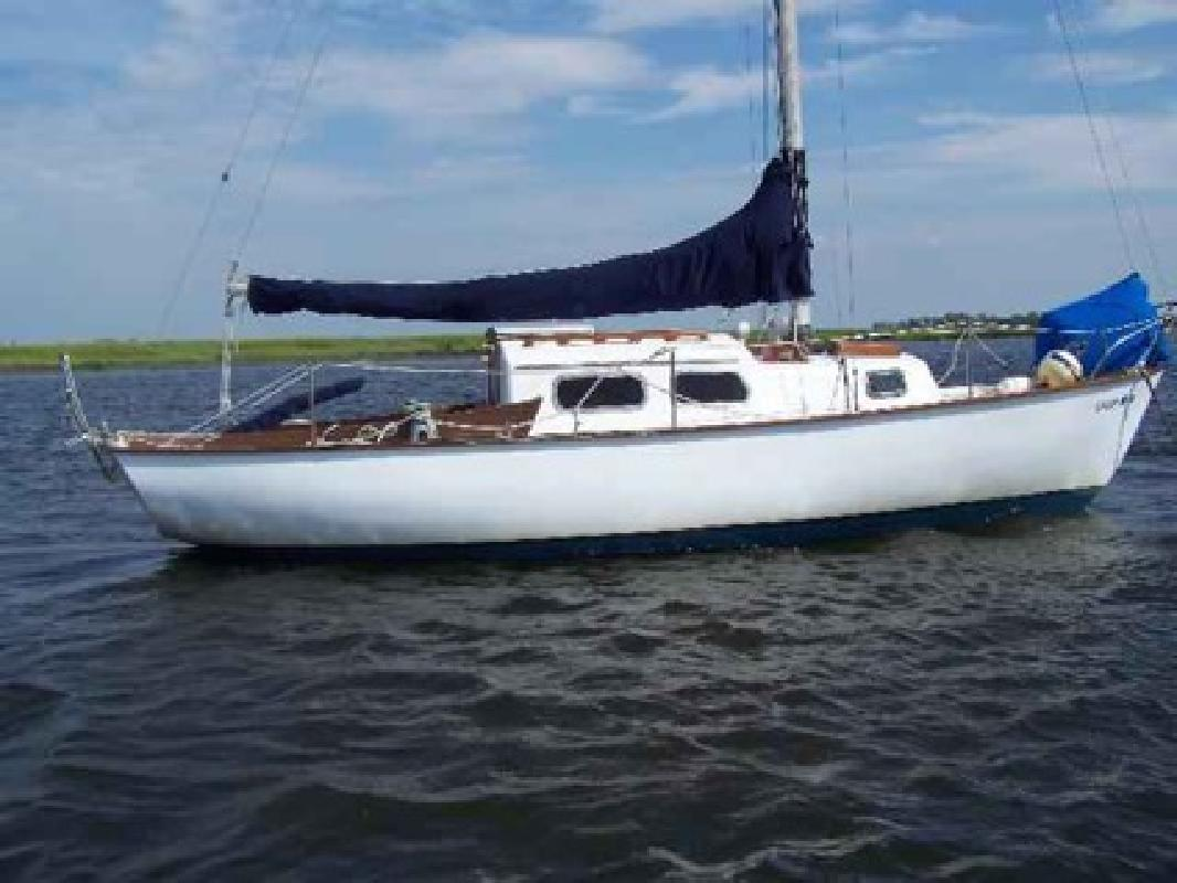$1 27' TARTAN SAILBOAT, 1965 with excellent Atomic 4 ...