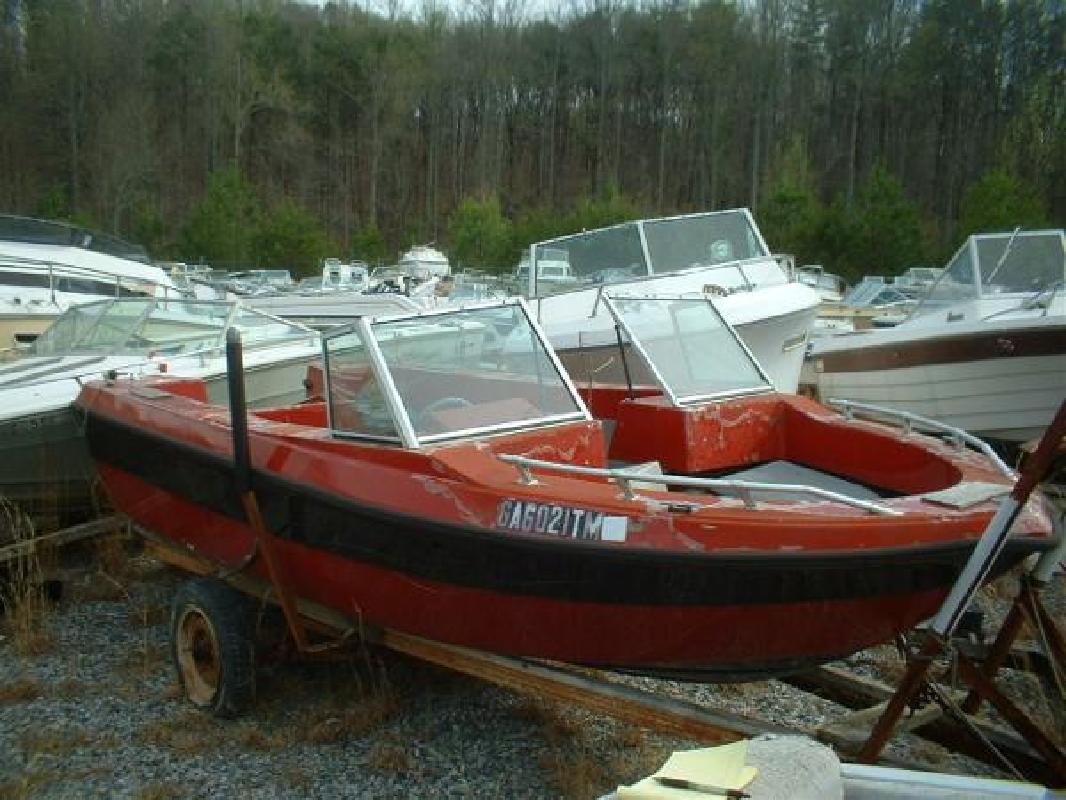 1983 16 39 glassmaster 650 b bowrider outboard hull for sale for Bowrider boats with outboard motors