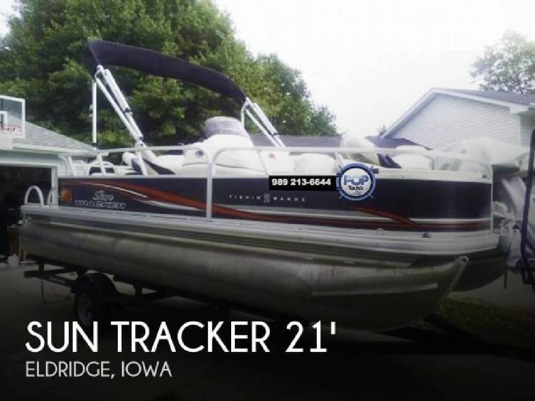 2011 Sun Tracker FISHIN BARGE 21 Eldridge IA
