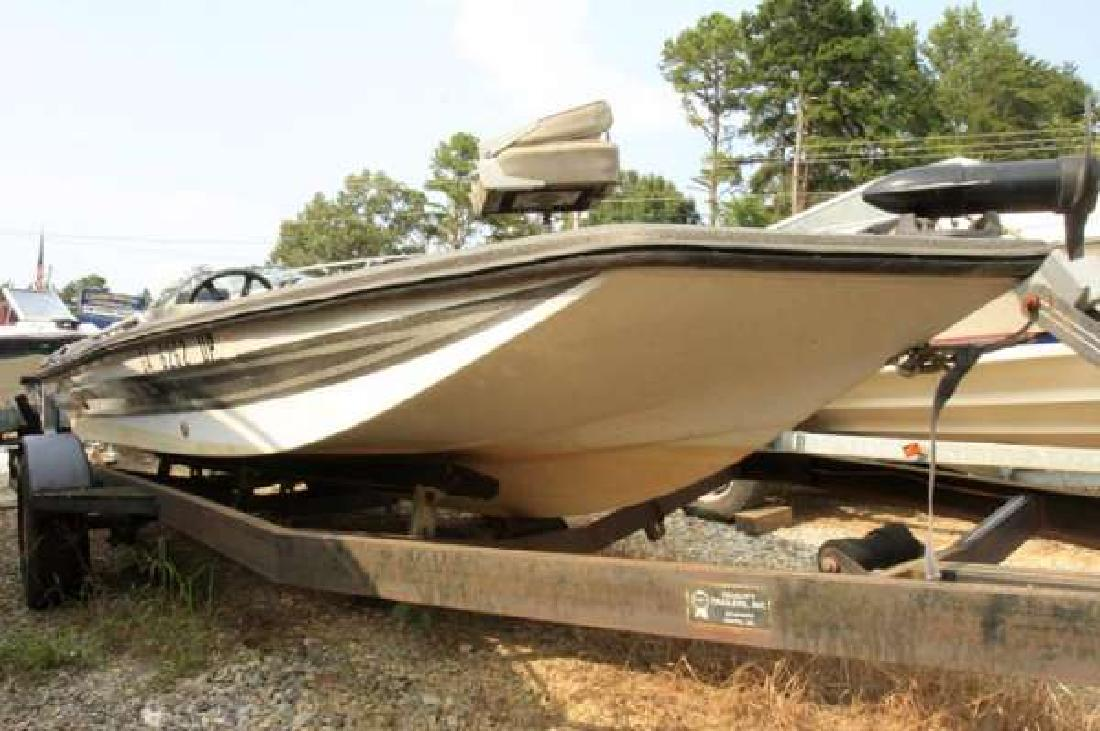 1988 17' Cimmaron Bass Boat for sale in Dawsonville, Georgia