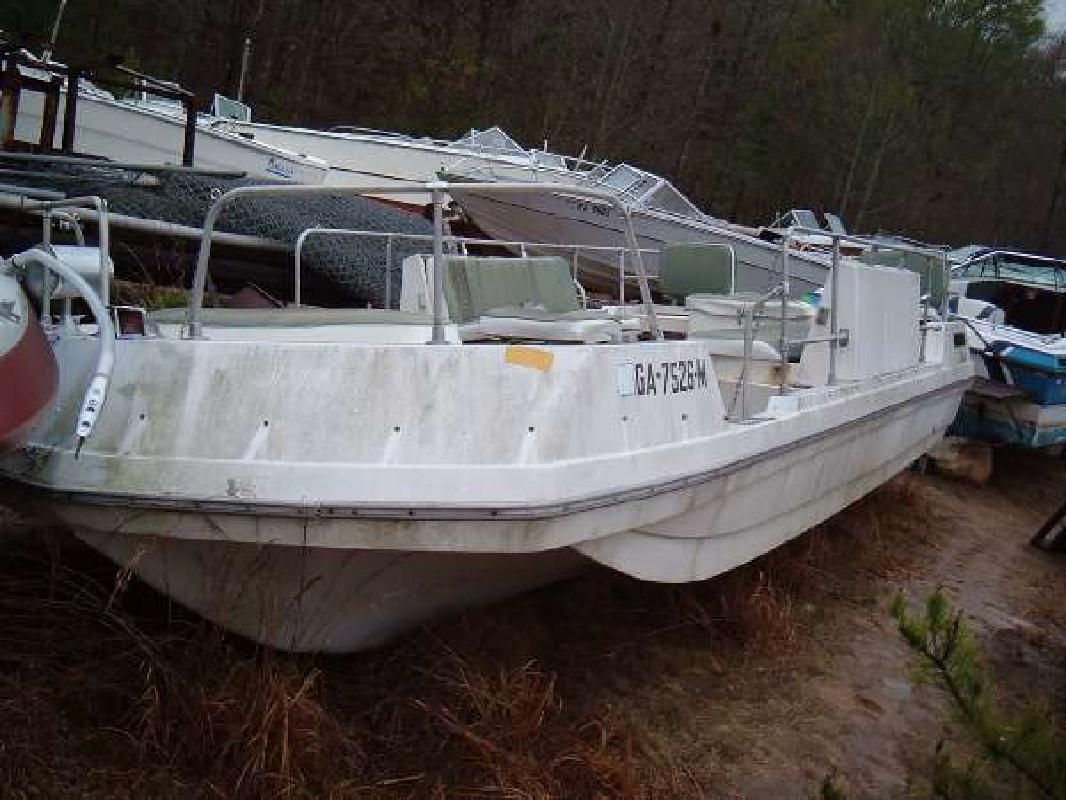 1973 22 39 viper viking bay fishing deck boat for sale in for Fishing deck boats