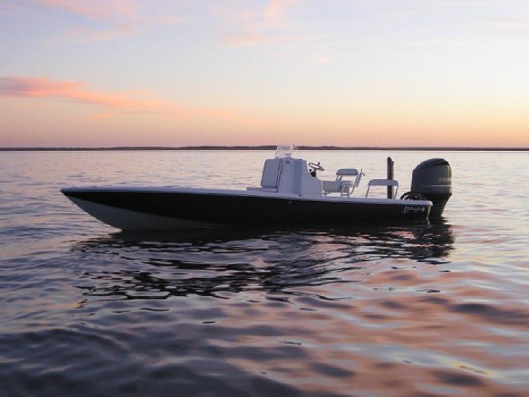 2007 24' Yellowfin Yachts 24 Bay (Loaded! Warranty! 155 Hours!)