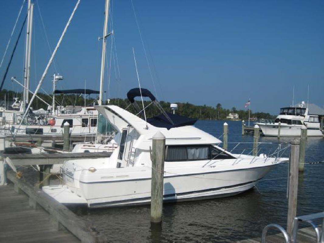 2002 30' Bayliner 2858