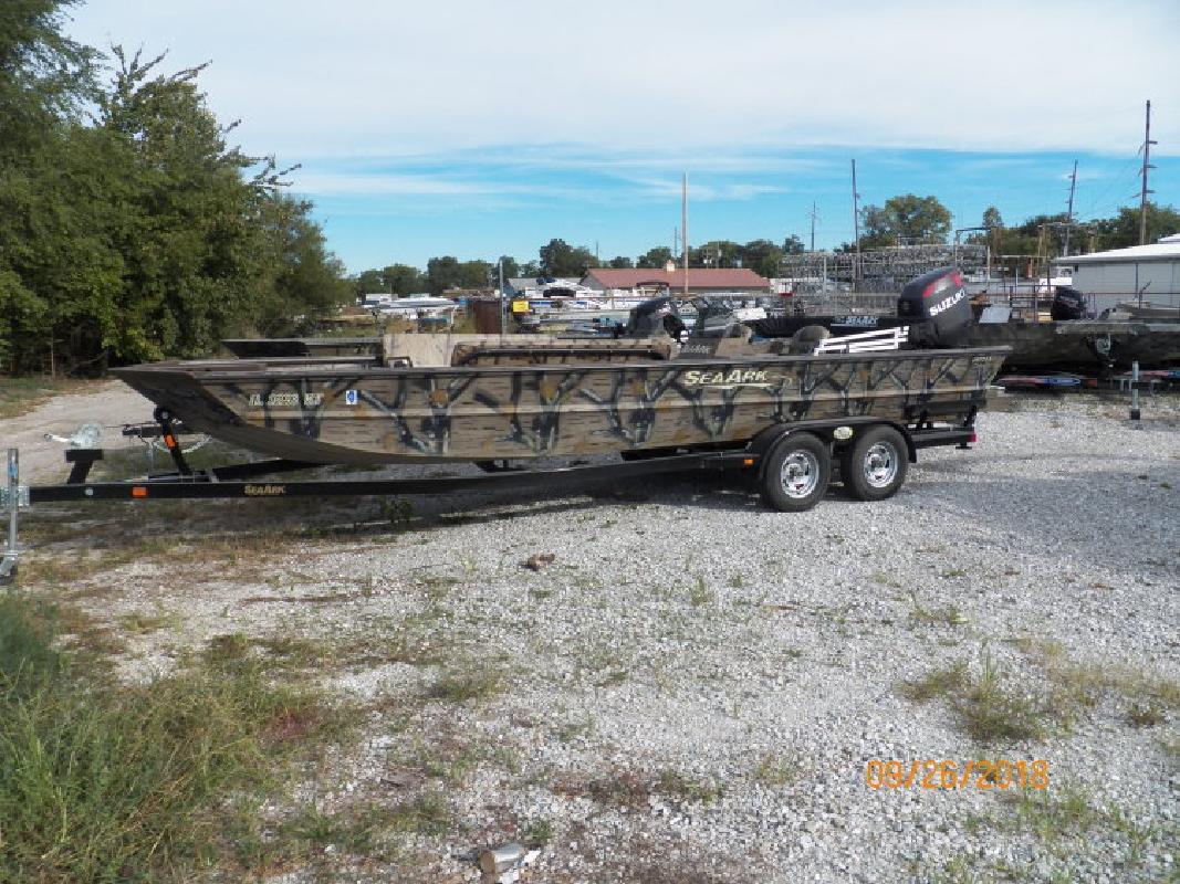 Seaark Boats in Beardstown, IL