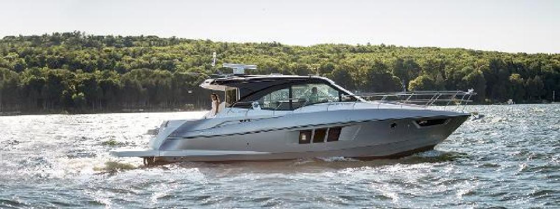 2015 Cruisers Yachts 45 Cantius Black Diamond Palmetto FL