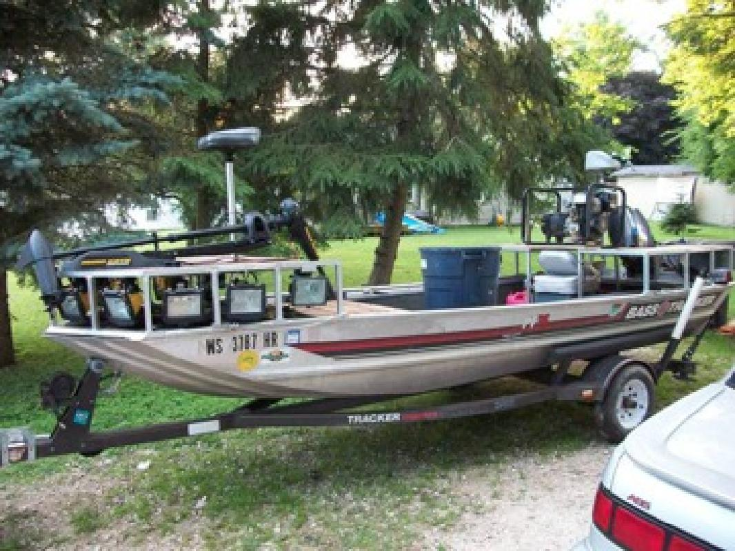 Bowfishing boat for sale in mukwonago wisconsin all for Bow fishing boats