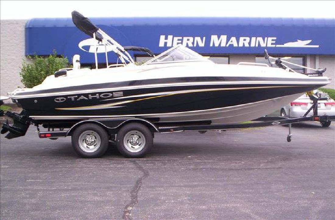 2011 22' Tahoe Deck Boat 216 Wt for sale in Fairfield, Ohio