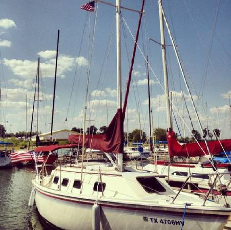 1986 26 Laguna 26 Sail Boat in Grapevine, TX