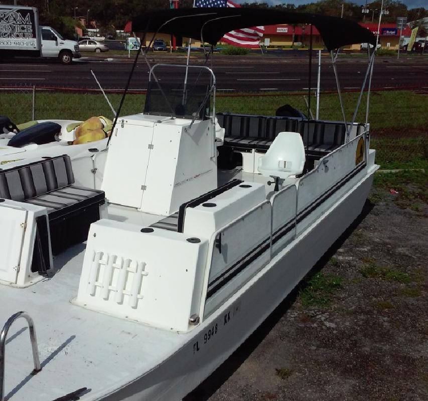 1998 Beachcat 23 Fibergl R Pontoon Boat In Palm Harbor Fl