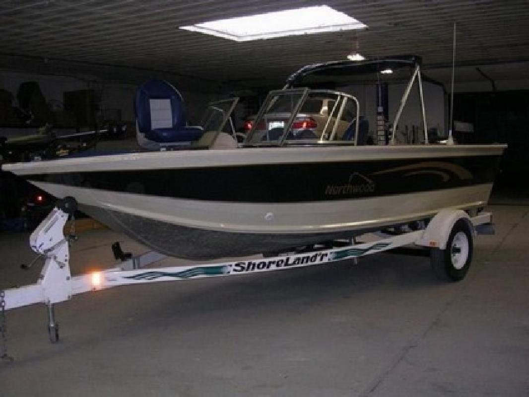 $2,720 1998 Northwood/Smokercraft Fishing Boat,Lund Blue