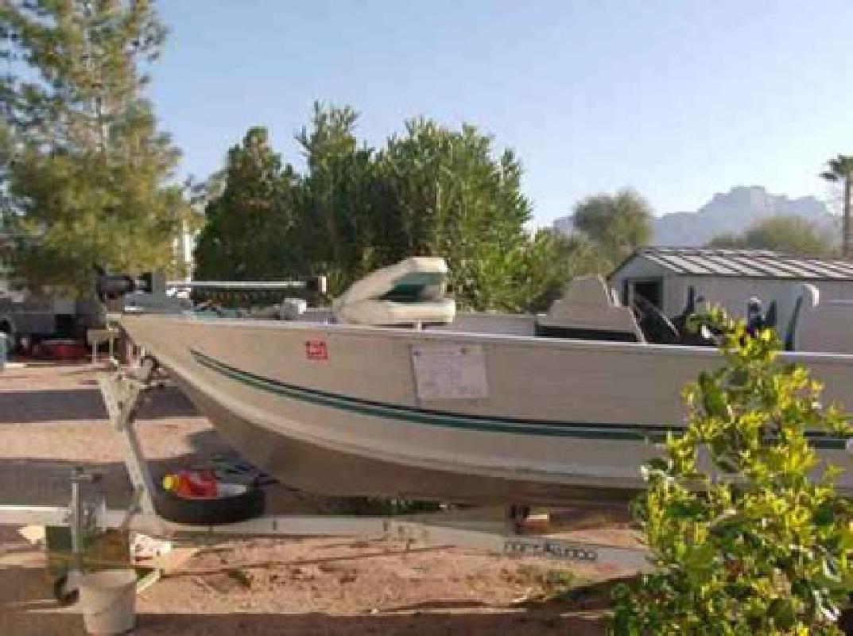 $3,600 Boat 15.5ft Fishing boat open deck