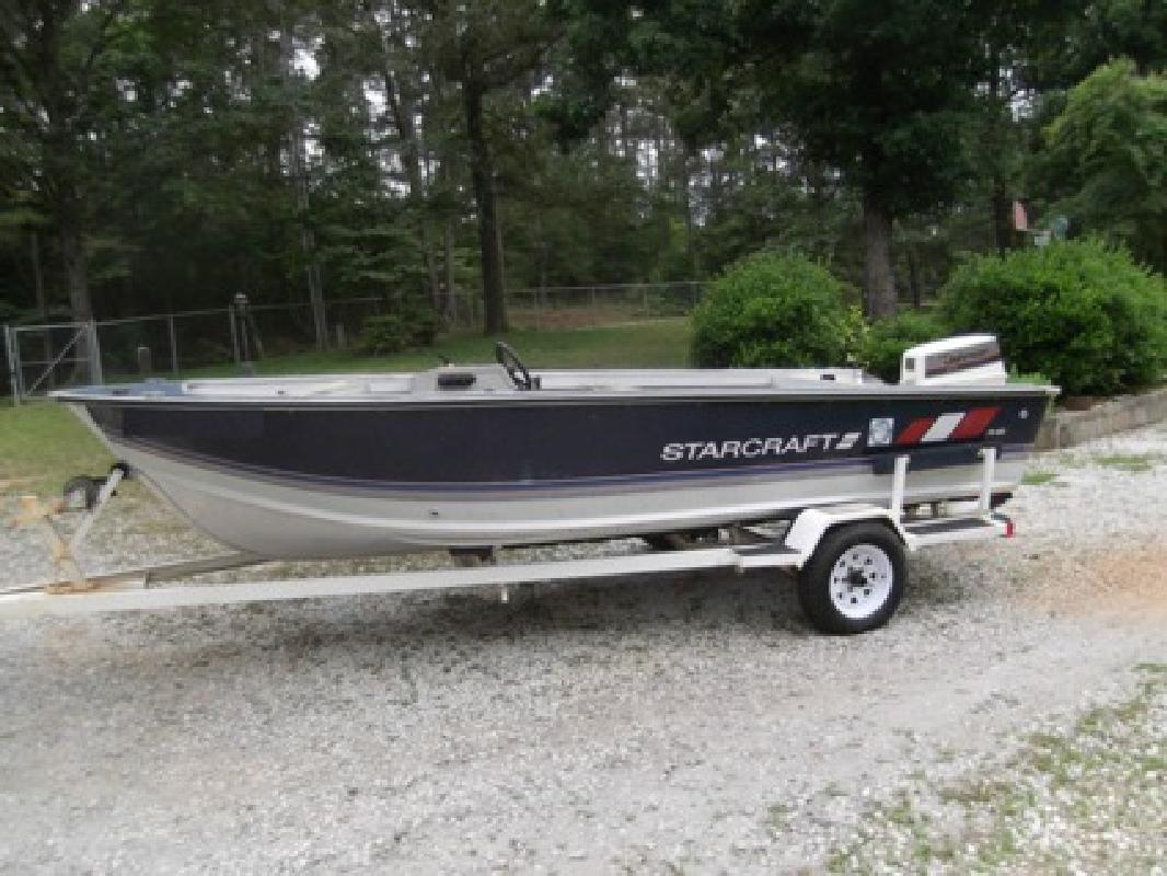 $1,300 1988 Starcraft FM160 16' Aluminum Fishing Boat w 40HP Johnson and Trailer