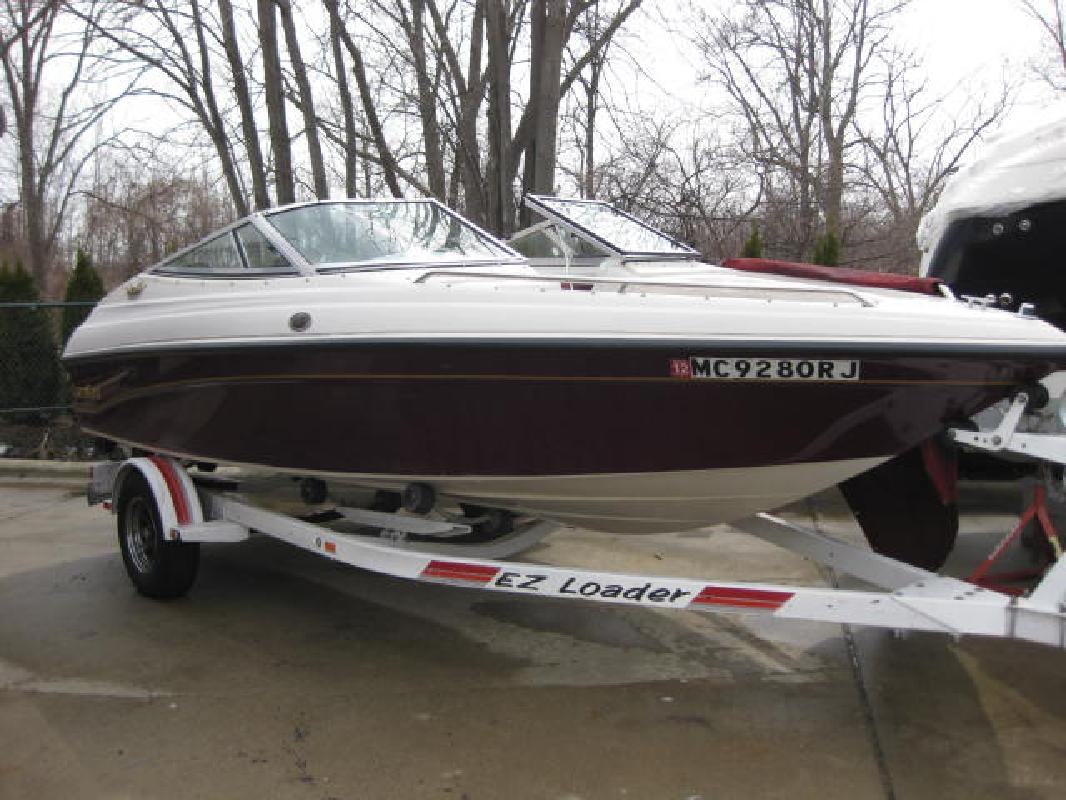 1996 18' Crownline Boats 180 BR in Harrison Township, Michigan