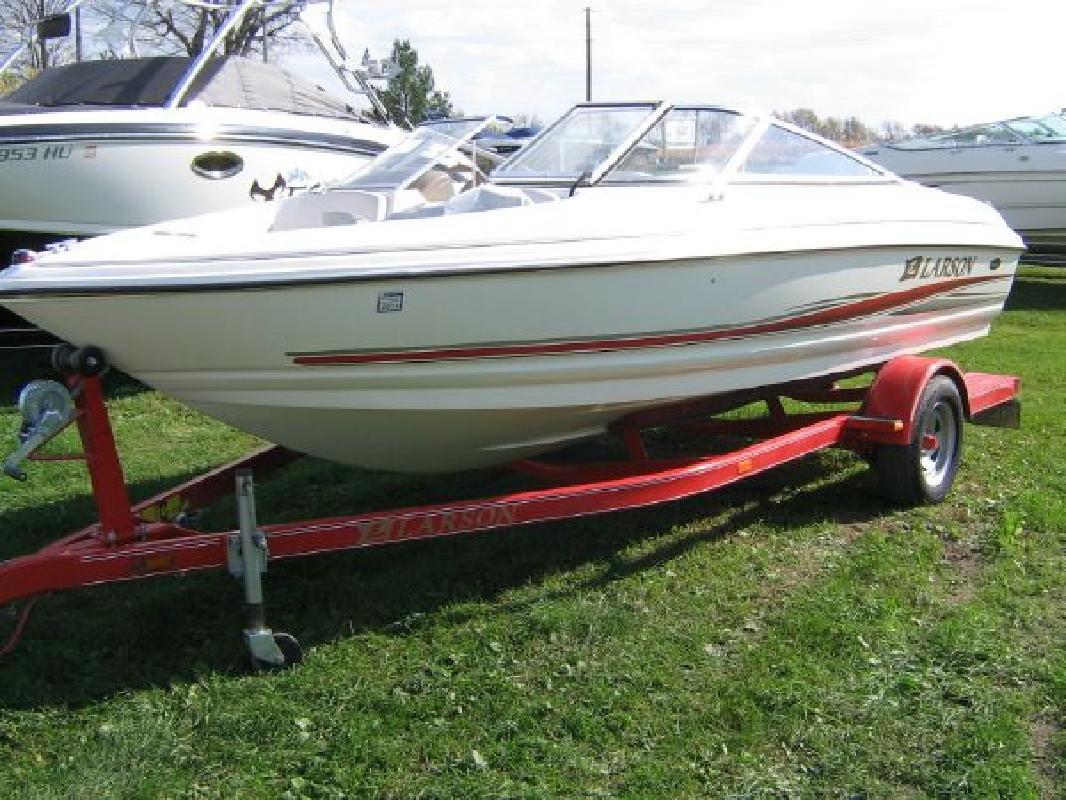 2004 17' Larson Boats 180 Sei in Delavan, Wisconsin