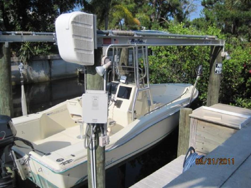1998 18' Scout Boats 185 Sportfish in Englewood, Florida