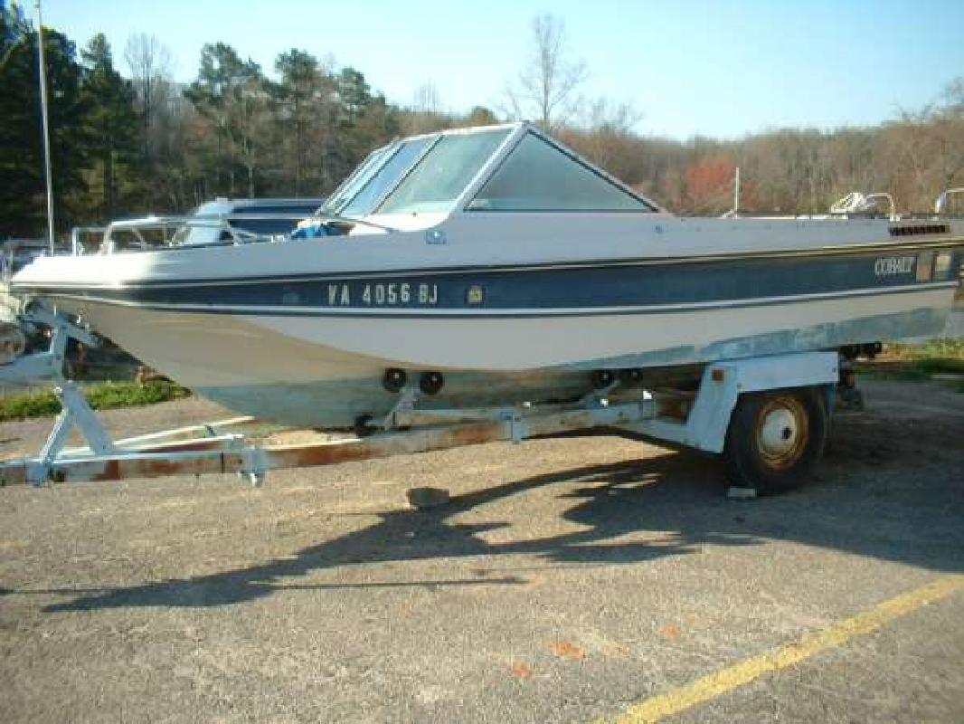 1976 18' Cobalt Boats 18ft Bowrider in Dawsonville, Georgia