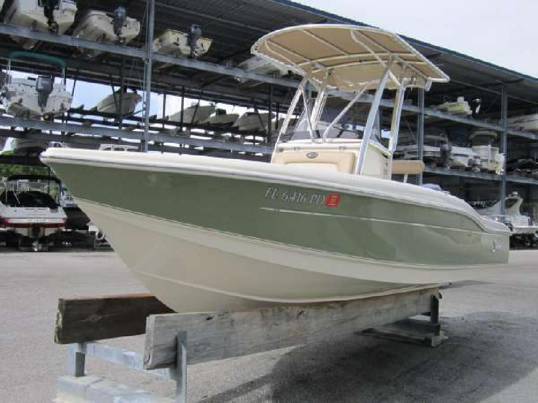 2010 20' Scout Boats 210 XSF in Englewood, Florida