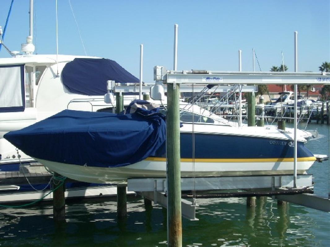 2004 22' Cobalt Boats 220
