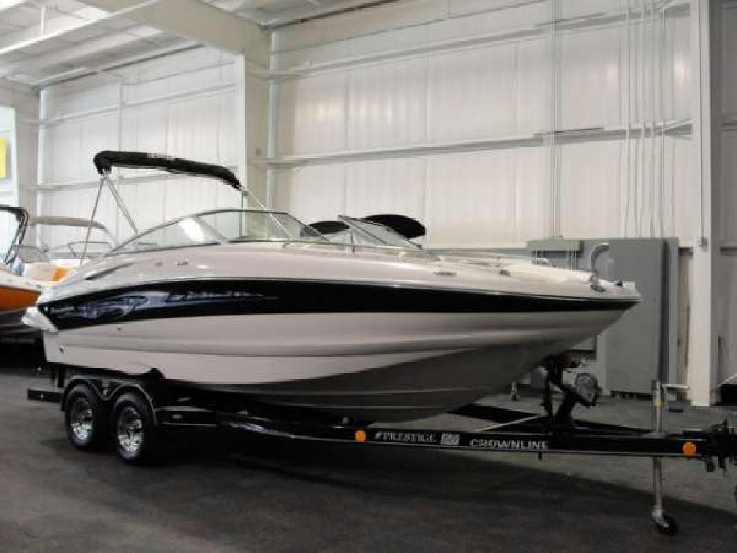 2006 22' Crownline Boats 220 EX in Kalamazoo, Michigan