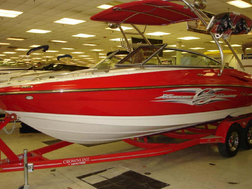 2008 22' Crownline Boats 220LS in Effingham, Illinois