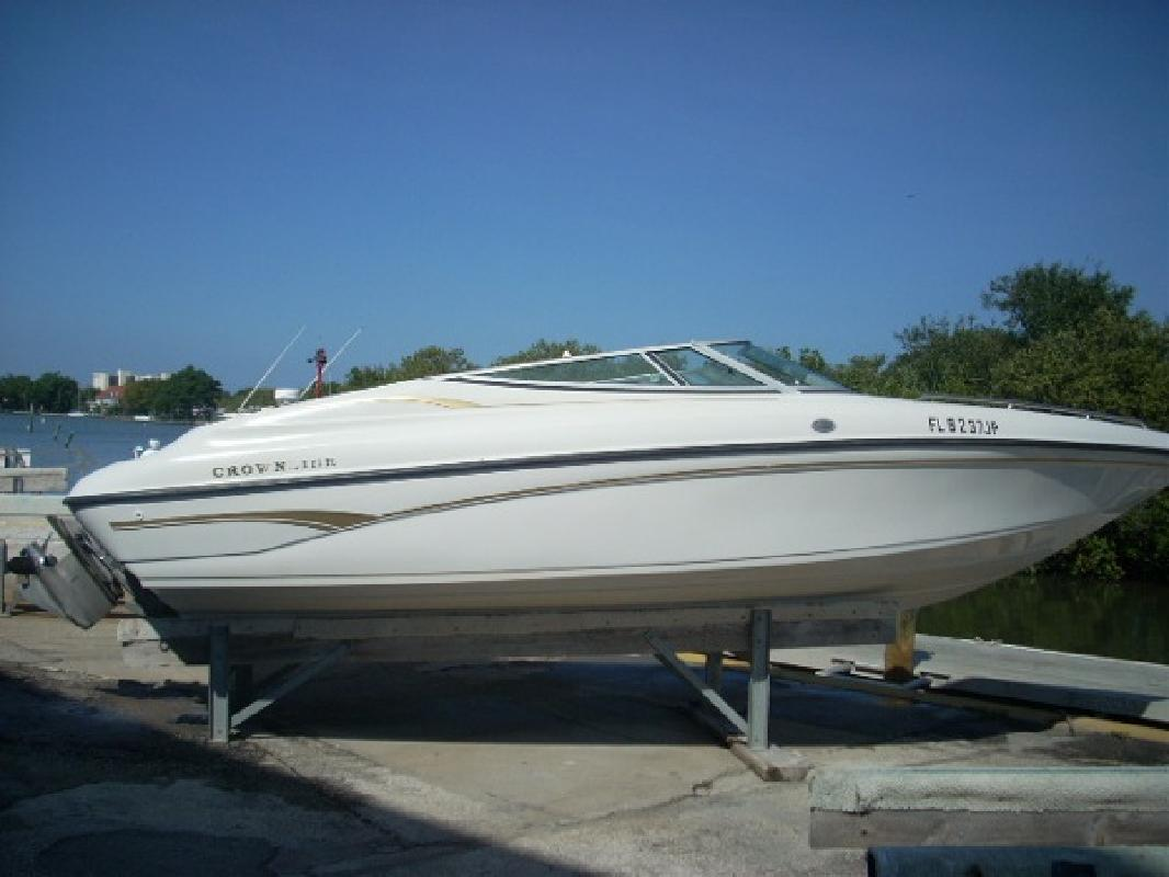 1997 22' Crownline Boats 225 in Tampa, Florida