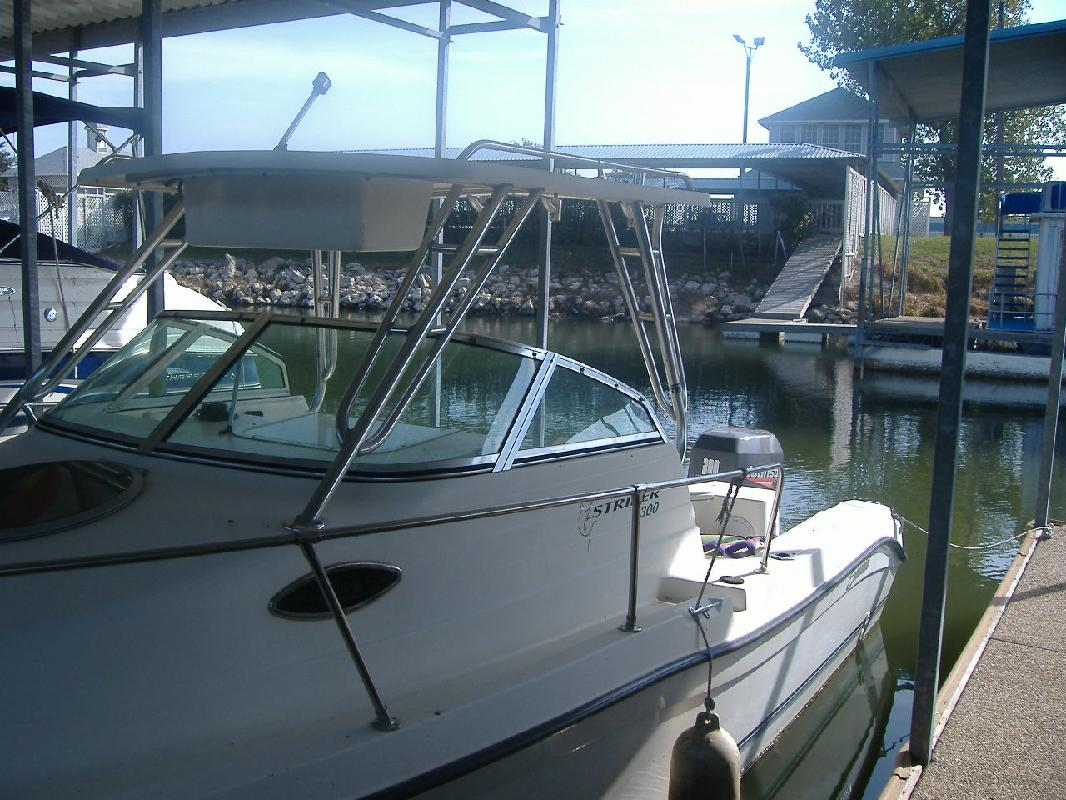 1999 24' Sea Swirl Boats 2300 WA