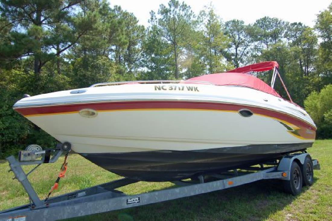 2000 23' Chaparral Boats 230 SSi in Hampstead, North Carolina