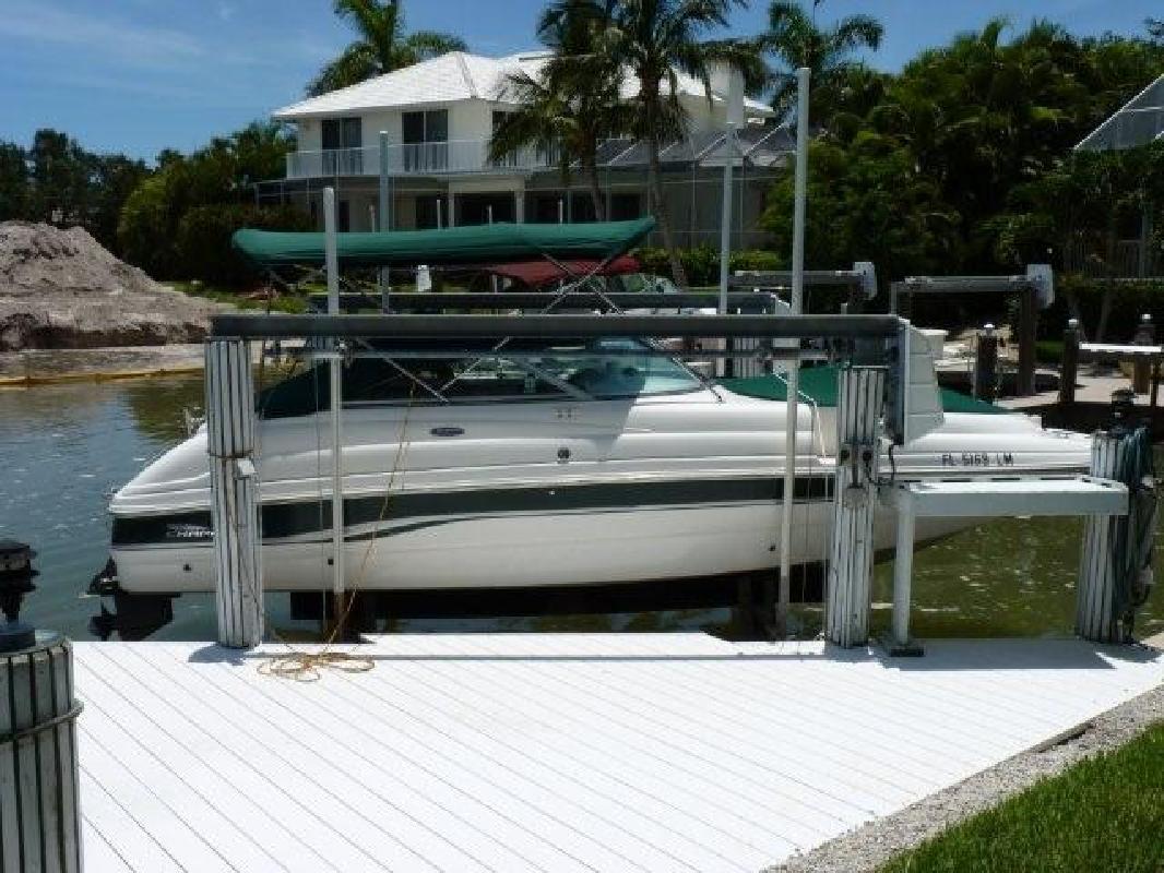 2000 23' Chaparral Boats 233 Sunesta in Naples, Florida