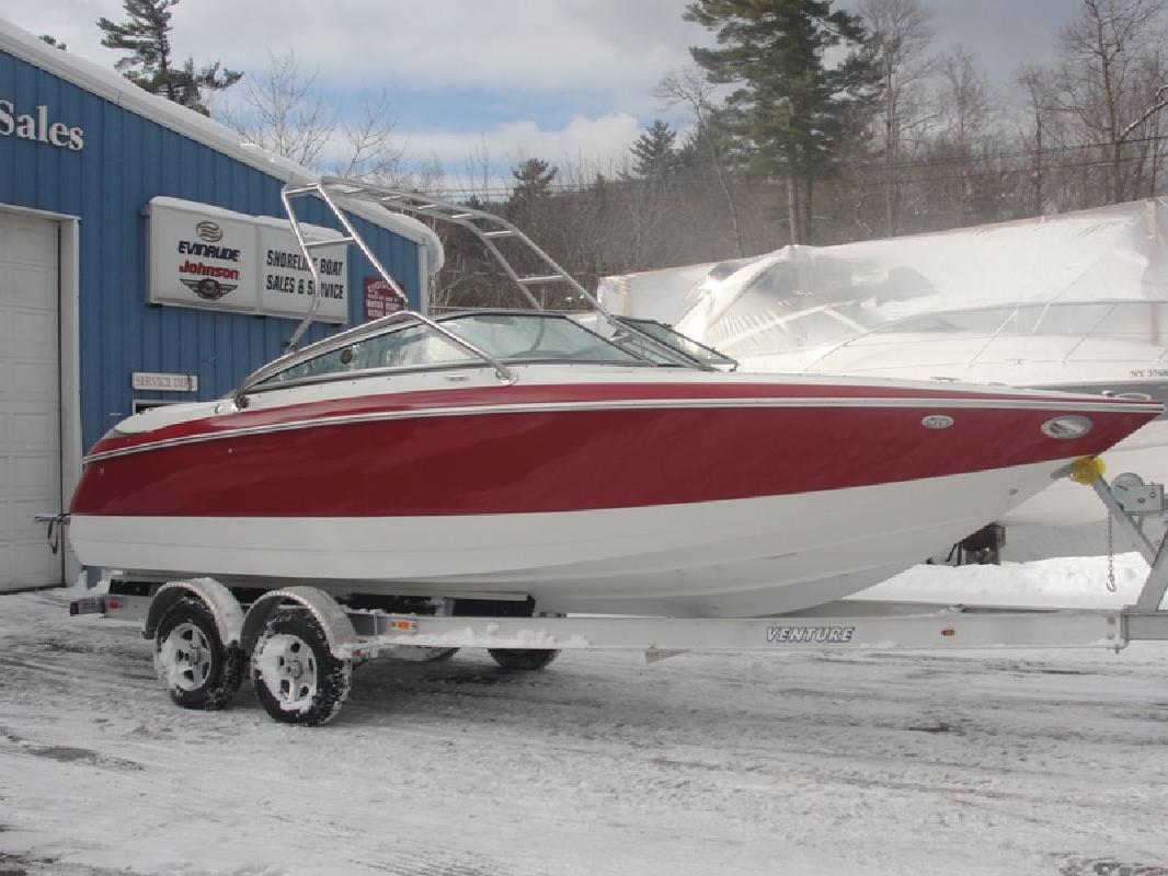 2003 24' Cobalt Boats 240 BR in Lake George, New York
