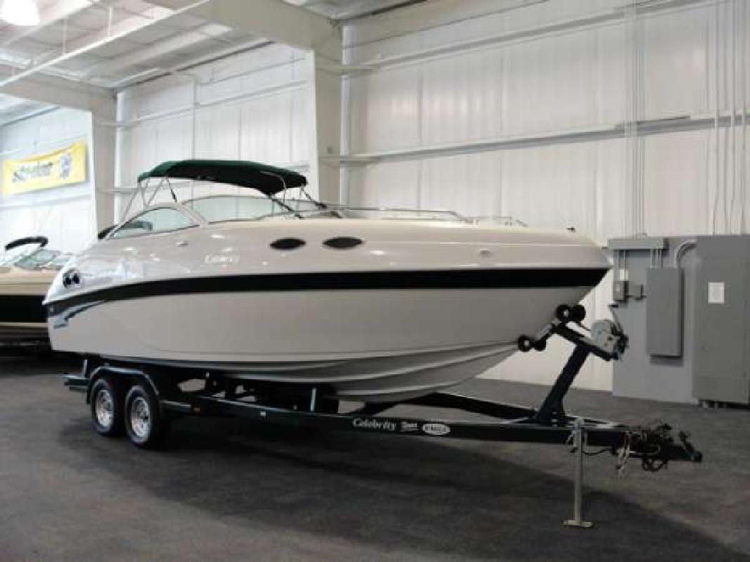 2000 23' Celebrity Boats 240 CC in Kalamazoo, Michigan