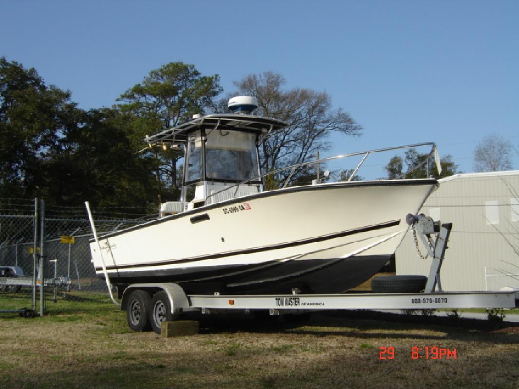 1999 24' Albemarle Boats 242 in Morehead City, North Carolina