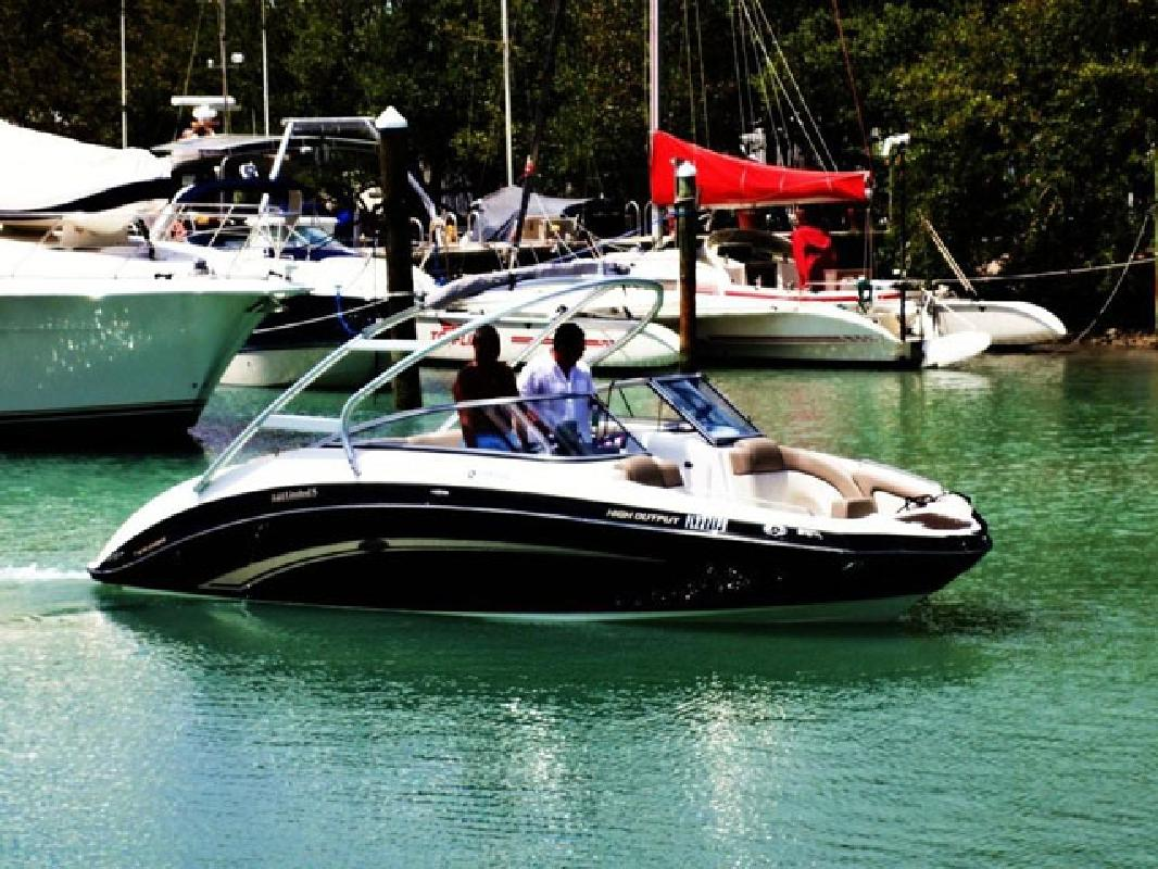 2010 24 39 yamaha sport boats 242 limited s for sale in for Yamaha 24 boat