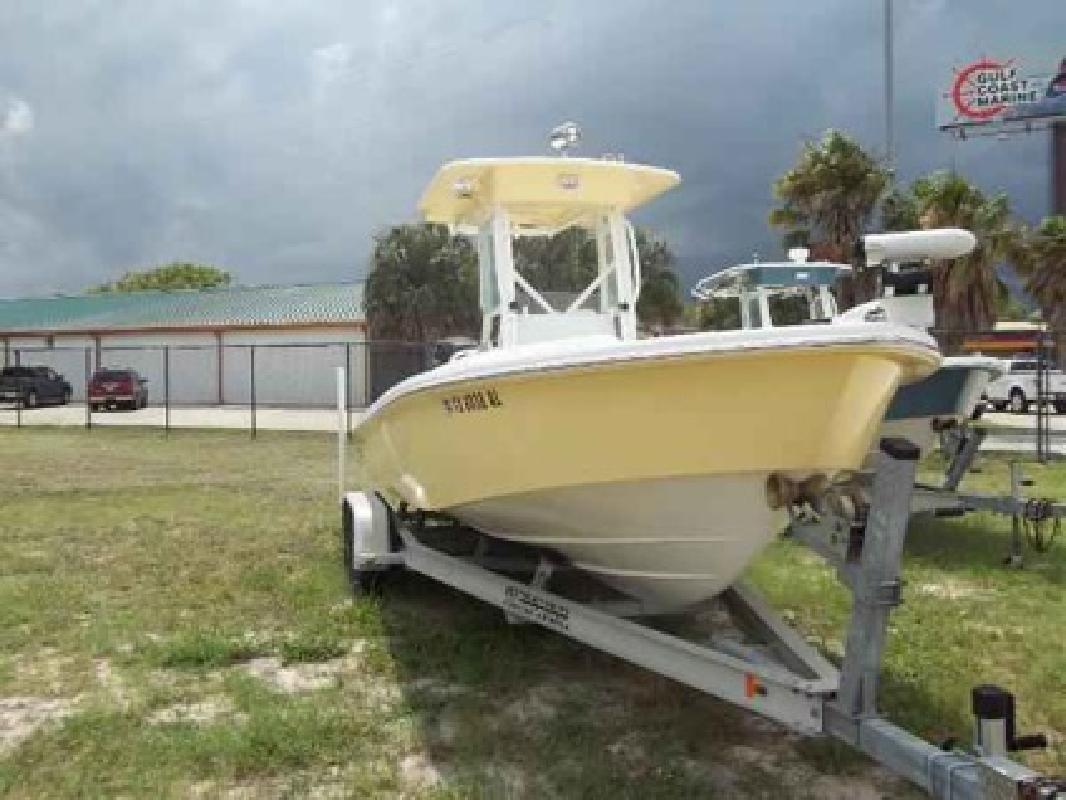 Used 2007 Everglades Boats 243cc
