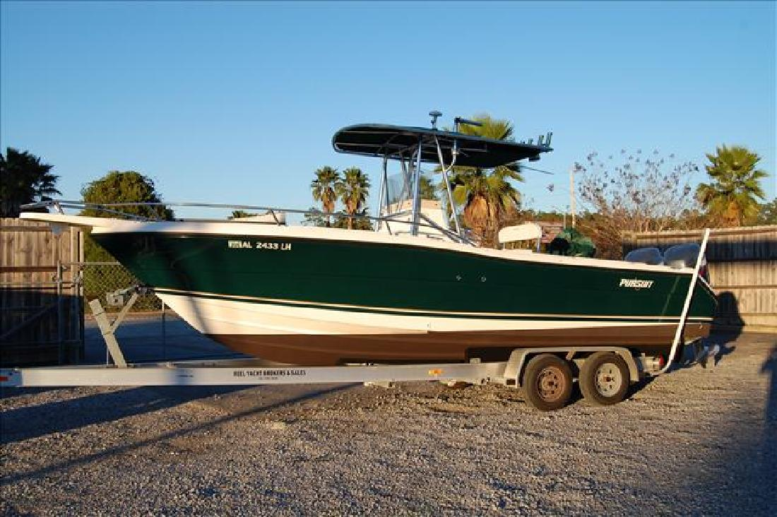 2001 25' Pursuit Boats 2470