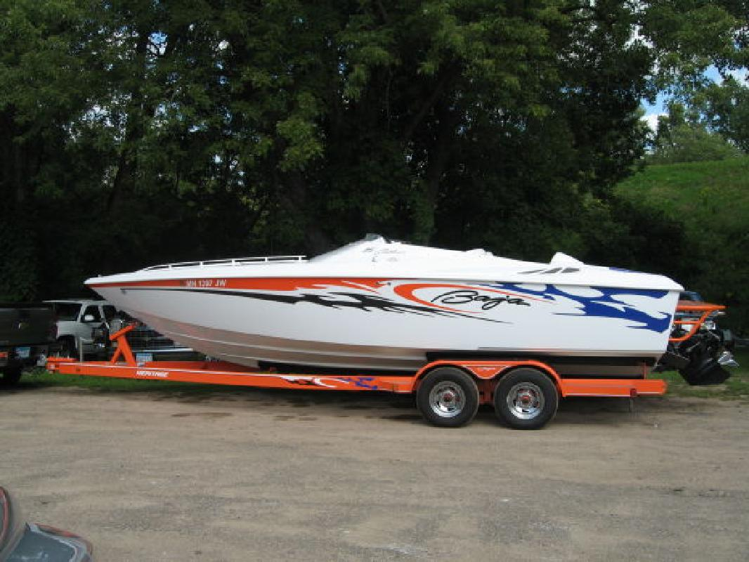 2005 25' Baja Performance Boats 25 Outlaw