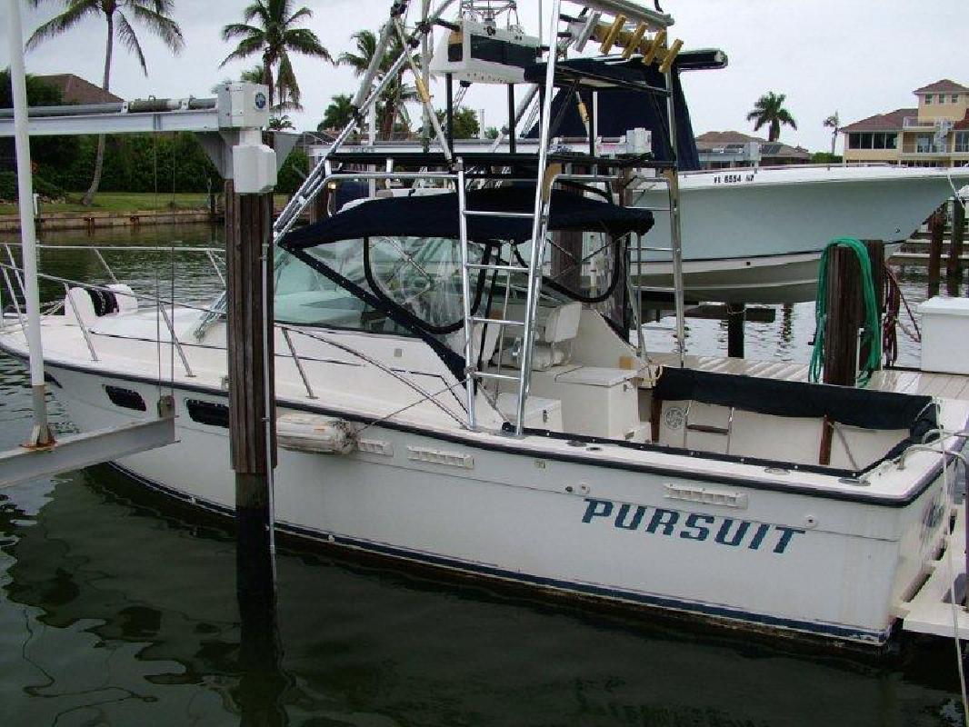 1990 29' Pursuit Boats 2700 Open