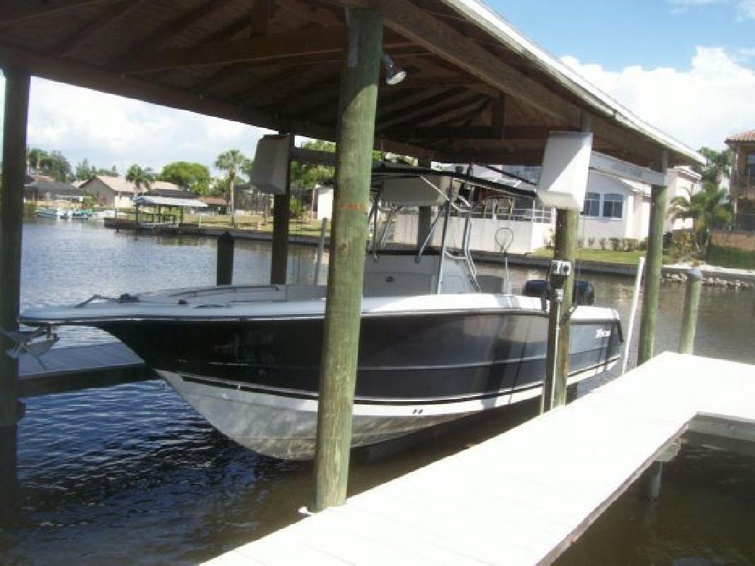 2006 30' Triton Boats 2895 CC