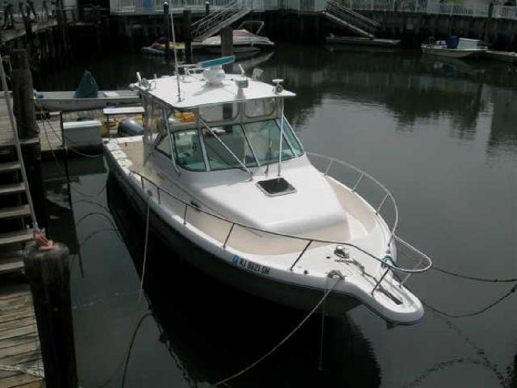 2000 30' Pursuit Boats 3070 Offshore