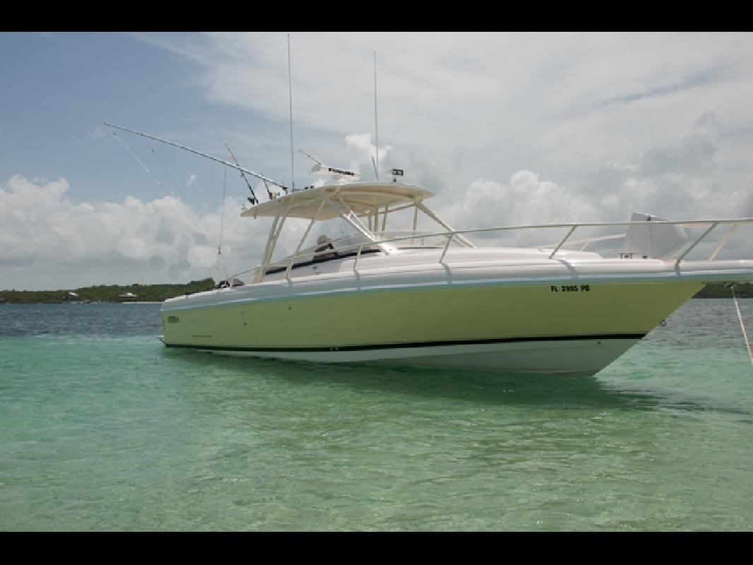 2006 35' Intrepid Power Boats 350 Walkaround. Contact the seller