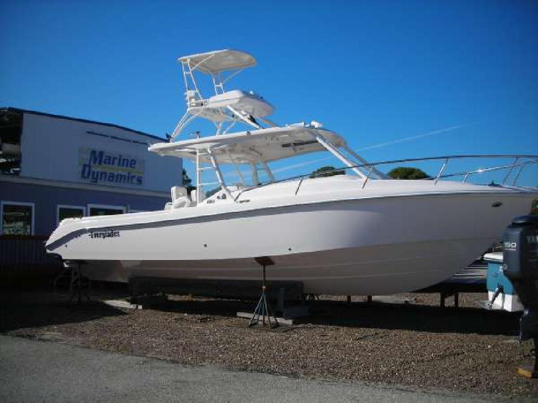 2011 35' Everglades Boats 350LX