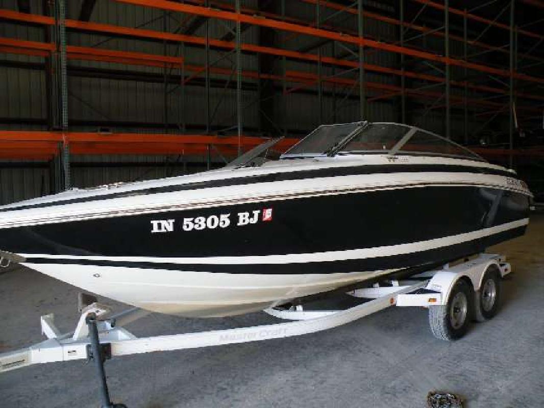 1997 23' Cobalt Boats Bowrider 232