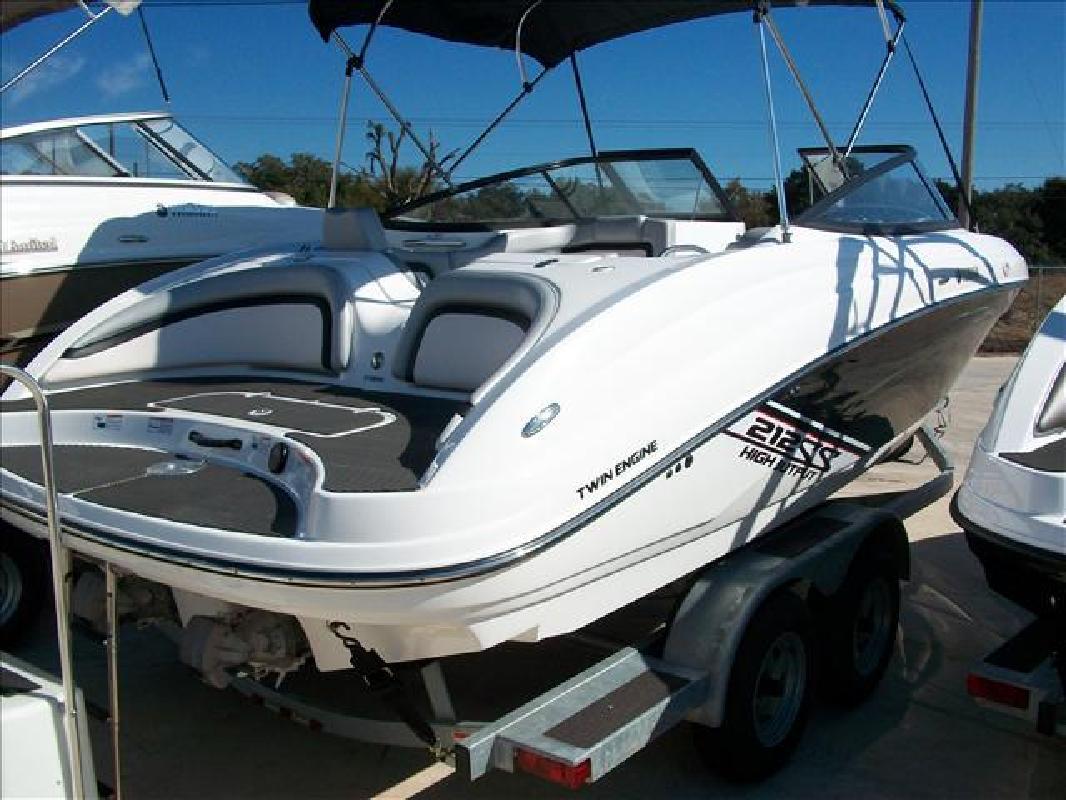 2010 21' Yamaha Sport boats Bowrider Series 212SS
