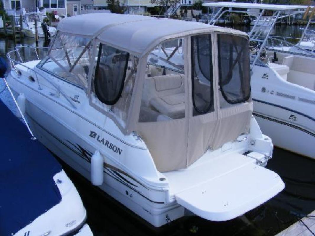 1999 25' Larson Boats Cabrio 254