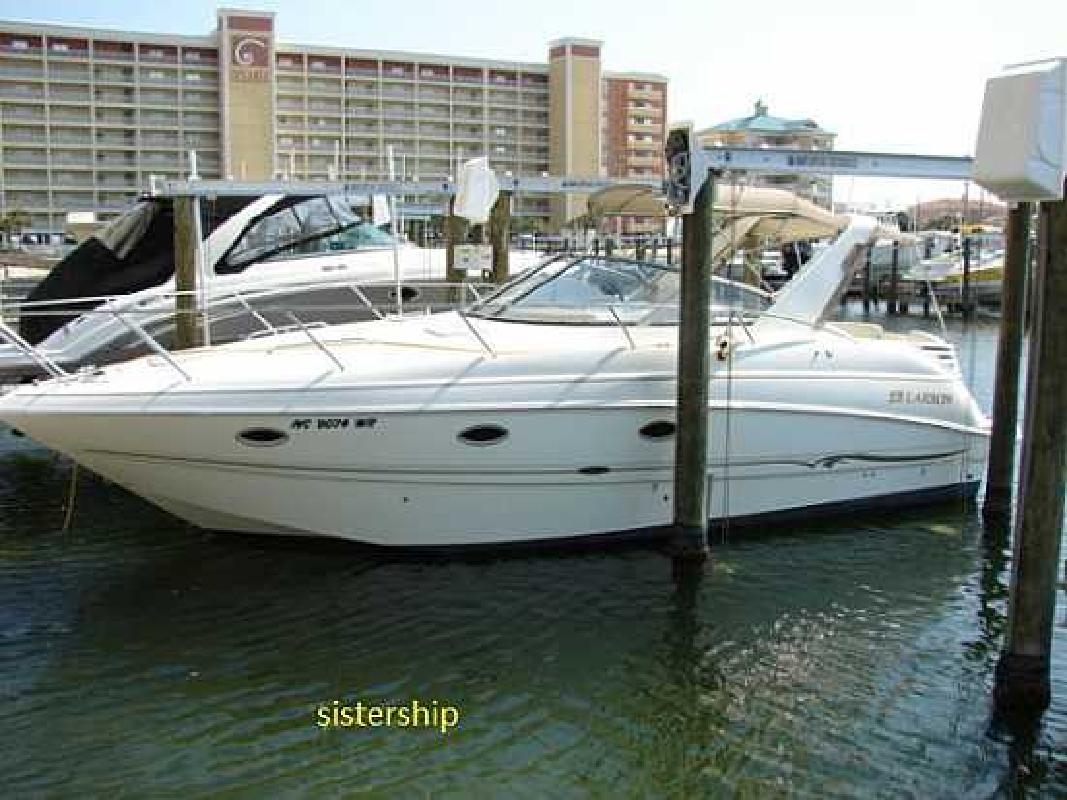 2002 33' Larson Boats Cabrio 330 in Wilmington, North Carolina