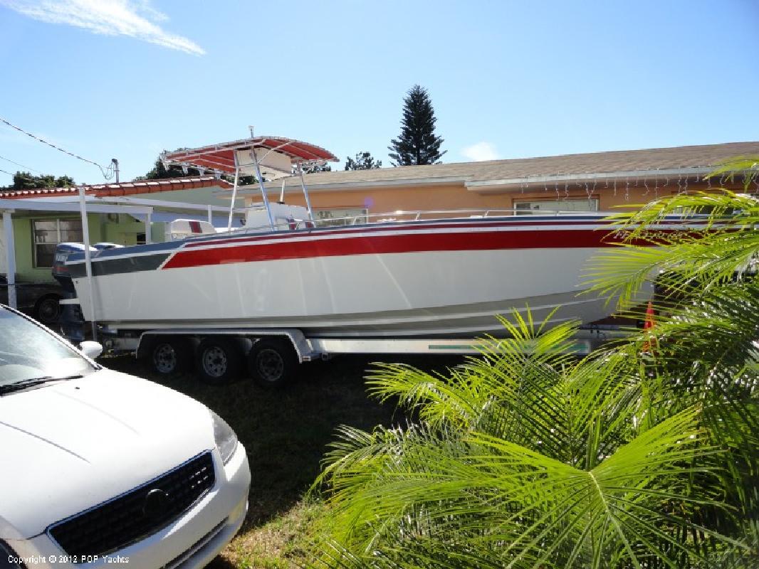 1988 28' Baja Performance Boats Center Console