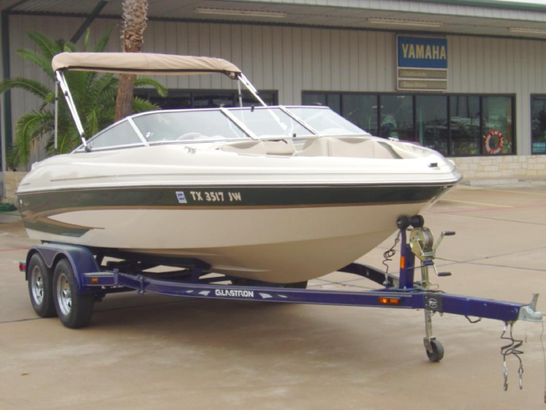2001 20' Glastron Boats GX205